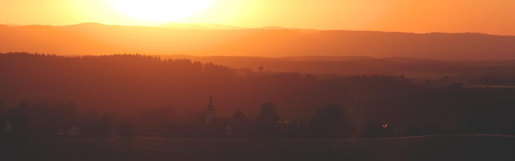Hohenthan im Sonnenuntergang.